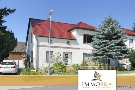 IMMOBRA: Geräumige Doppelhaushälfte mit großer Scheune & schönem Grundstück, 14778 Golzow, Doppelhaushälfte